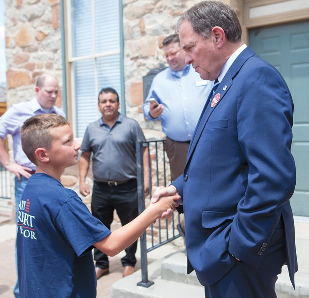 Herbert makes stop for lunch in Tooele on campaign stump
