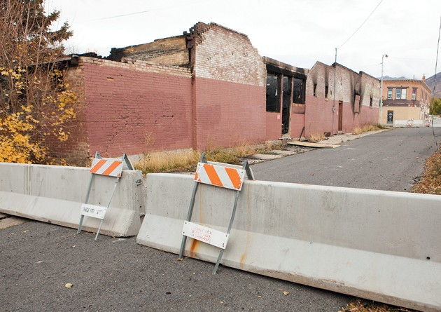 Maple Street remains closed because of unstable building