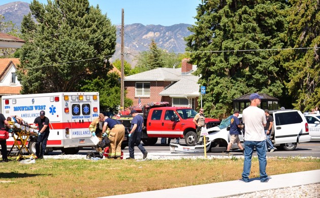 Van, pickup truck collide on Main Street in Tooele