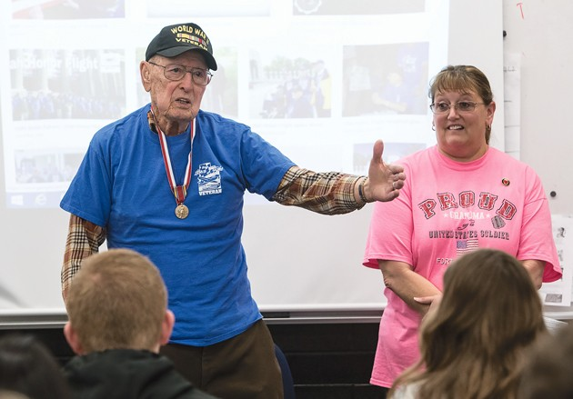 World War II veteran thanks Grantsville students for thank-yous