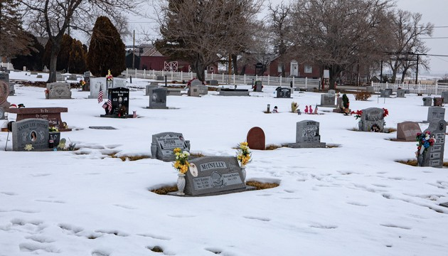 Grantsville City relaxes cemetery decoration policy during winter